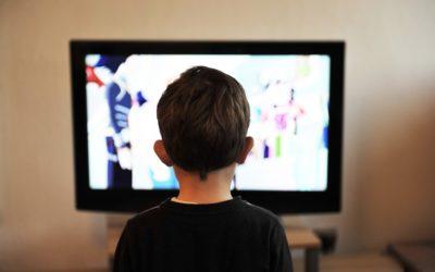 Enfants : Les dangers d'une exposition prolongée sur les écrans